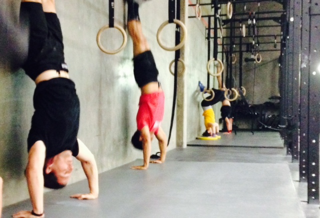 7AM handstand push ups